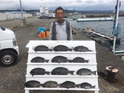 和歌山県南部 河田フィッシング (10月10日の釣果)  今日はグレ、マダイ、シオ、ハマチ、イサギなどが釣れました  https://t.co/qvK8MBUajc https://t.co/BDzFisrhiF