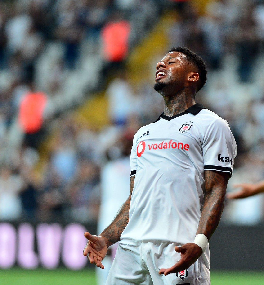 RT @forzabesiktas: Hedefe odaklan... #ZafereKanatlan #BeşiktaşBizim #BuSevdaBizim  #Beşiktaş https://t.co/Hlkn3P28QK