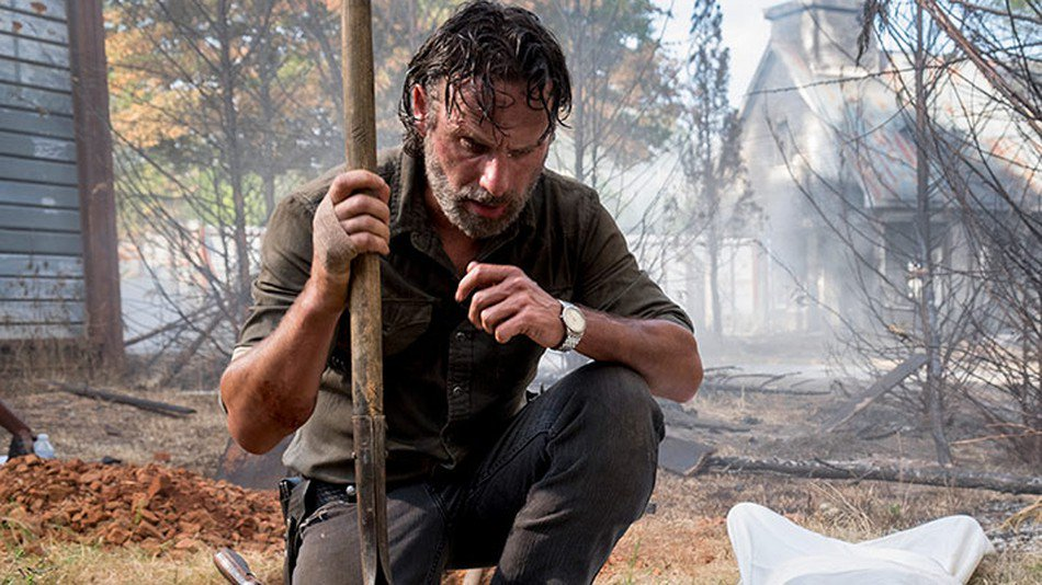 RT @mashable: 'The Walking Dead's Andrew Lincoln to return as Rick Grimes in film series https://t.co/UljDBPB96B https://t.co/63A1GmdI9l
