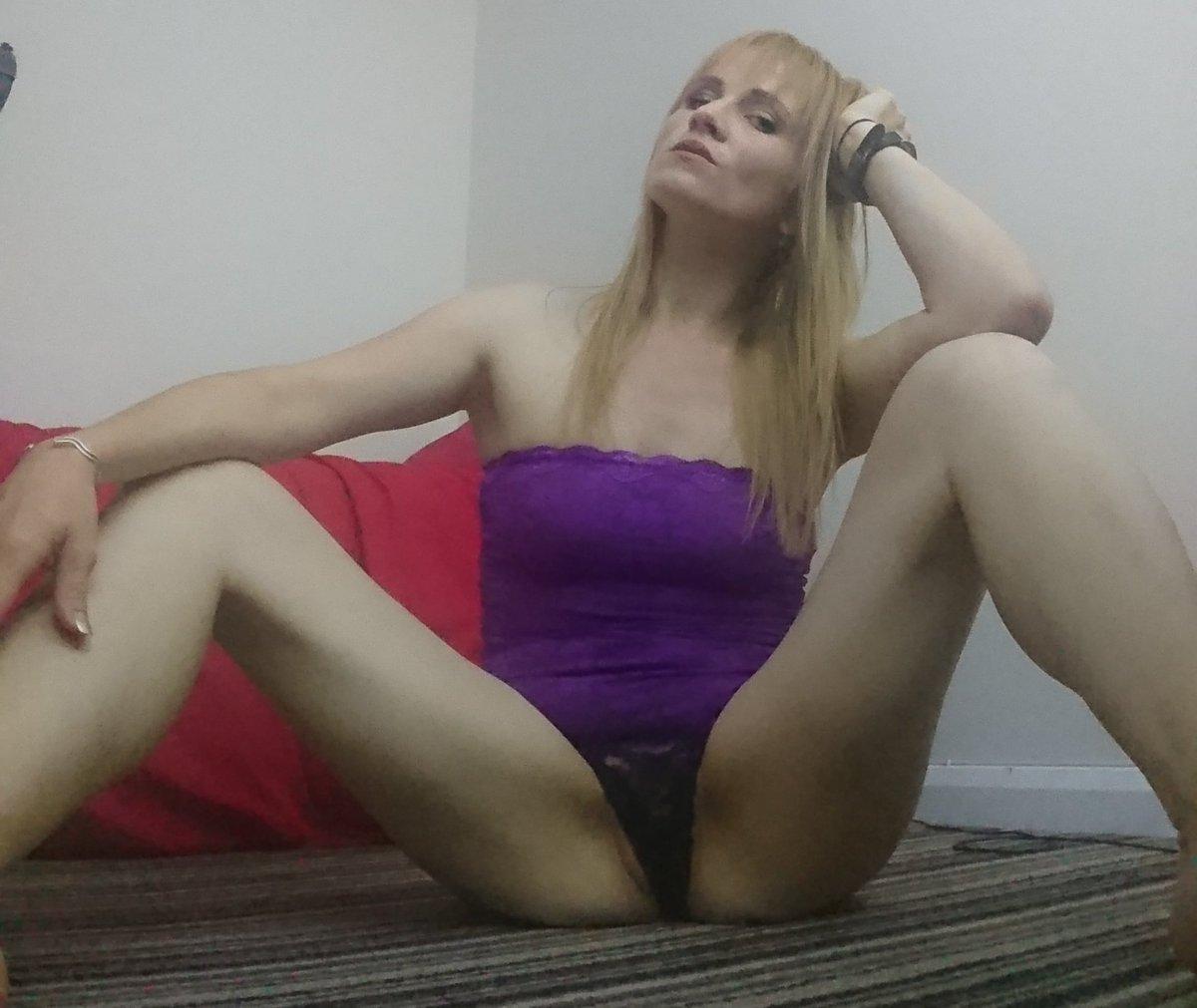 3 pic. You can now message me on Whatsapp! :-O yo9XF5hmEW Hottie #whatsapp-sexting via