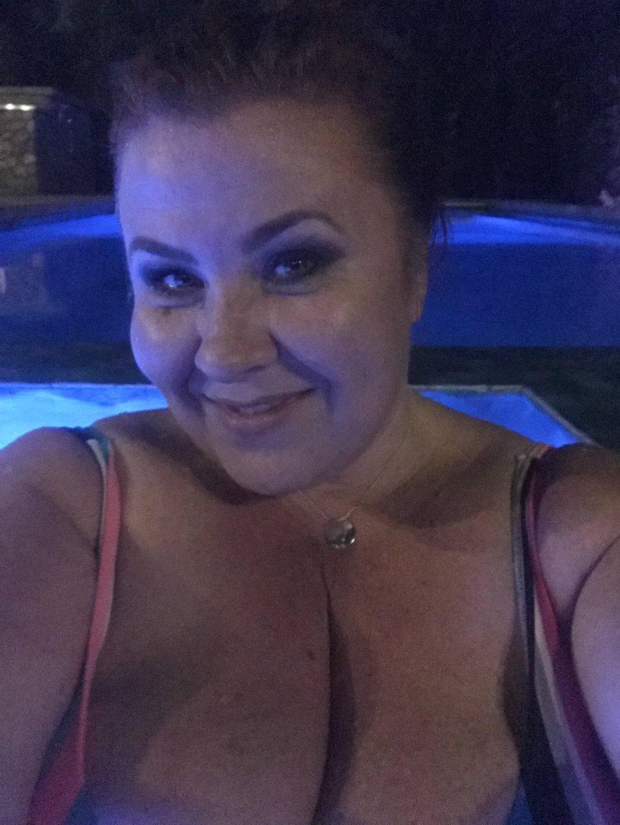 Nice night for a soak in the hot tub! #BBW #ImAllWet #CumJoinMe Lv5UVqCeP8
