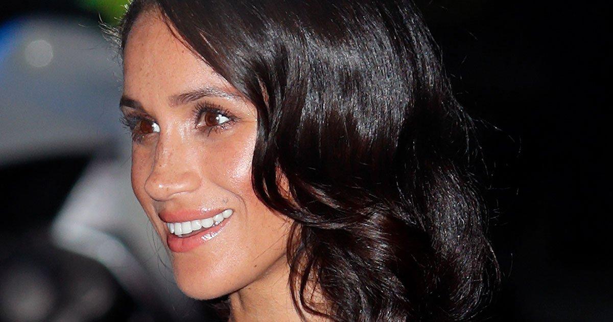 5 idées coiffures à piquer à Meghan Markle et Kate Middleton pour les fêtes --> https://t.co/bYOl6ugFHS https://t.co/VkxMyYTcDg