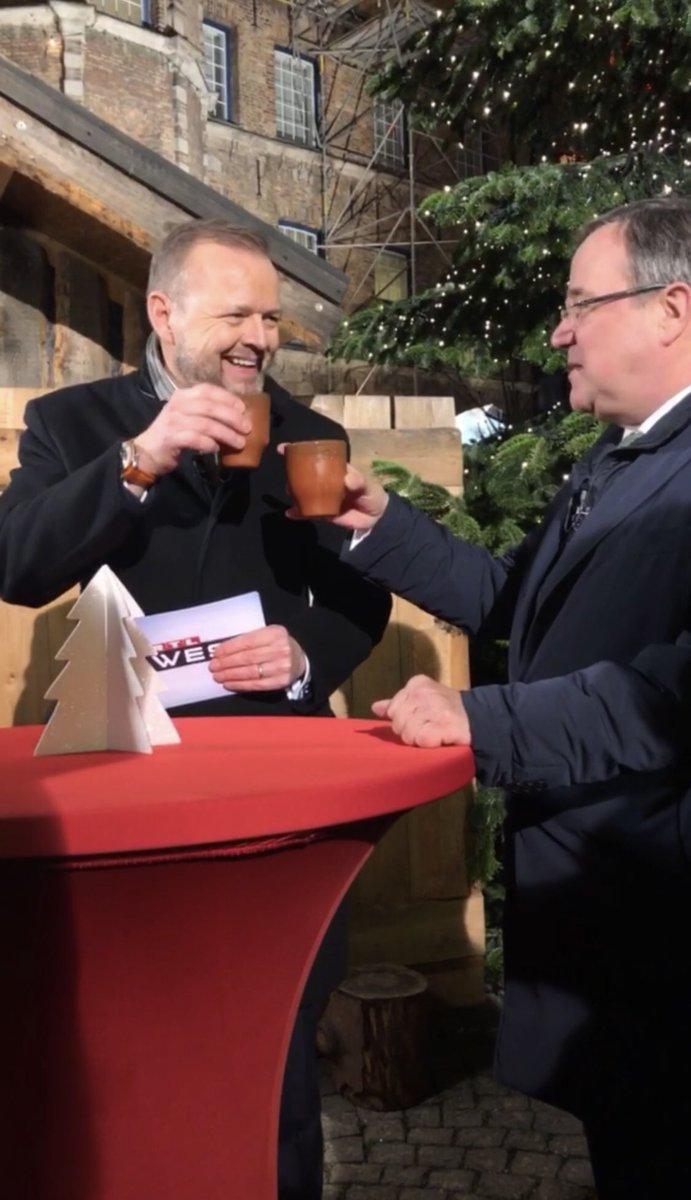 RT @RTLWEST: Das #Weihnachtsinterview mit @ArminLaschet gibt es morgen um 18 Uhr bei RTL WEST. https://t.co/Ze4JkMHgZO