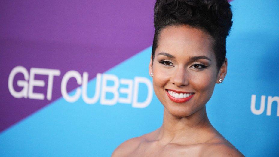 Alicia Keys to host