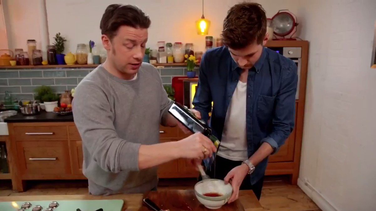 Check out what Jamie and @JimChapman are cooking up...  HINT: It's delicious, nutritious and FULL of flavour. https://t.co/zFbWsiXmJL