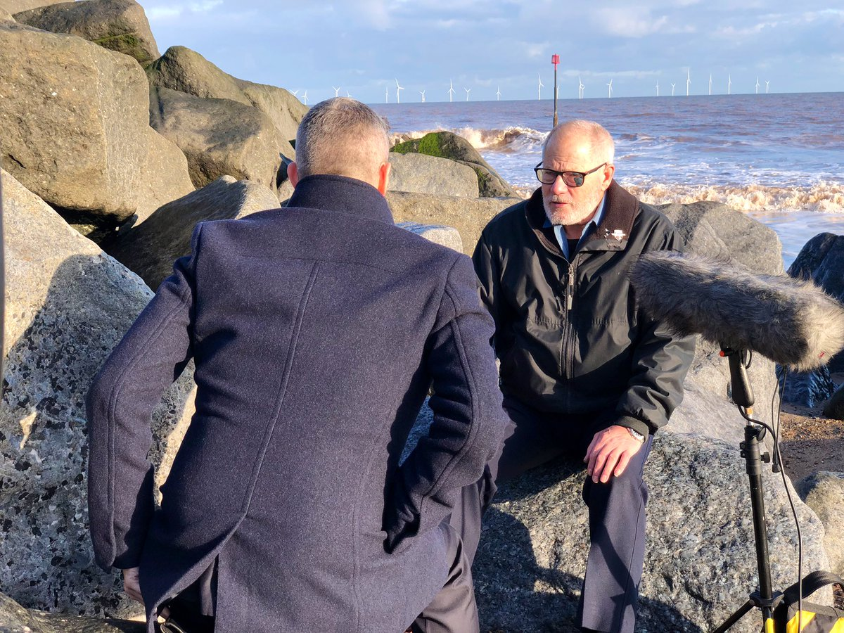 test Twitter Media - Ahead of the 30th anniversary of the Kegworth air disaster,@mbillingtonitv speaks to the lifeboatmen from Withernsea who were among the first to help free survivors from the wreckage. Watch @itvcalendar at 6 tonight for his full report https://t.co/rKw9BrdB38