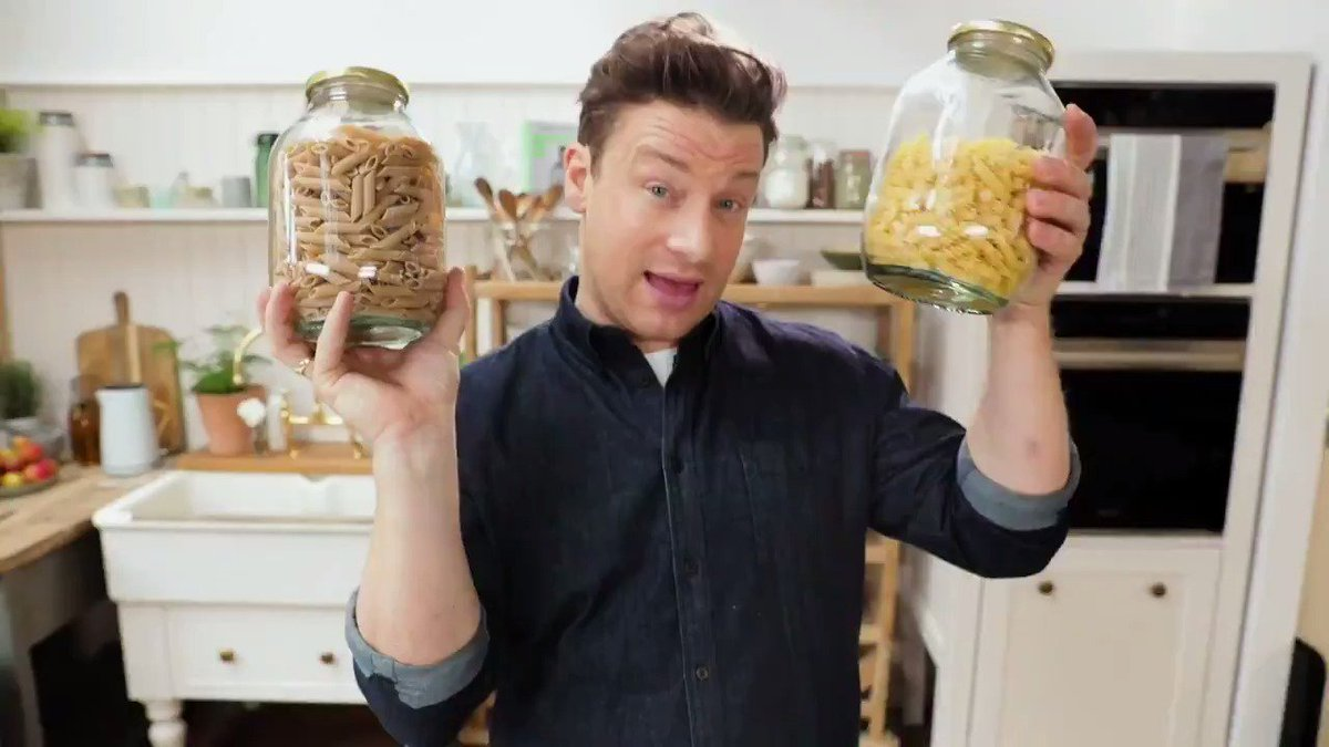 Let's talk PASTA! #HealthySwap ???? https://t.co/RterWcFOV5