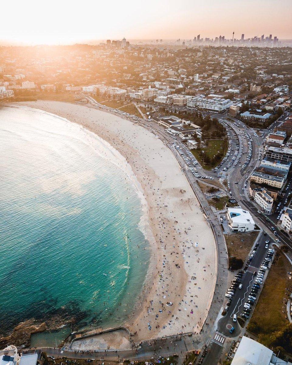 RT @TravelVida: Bondi Beach, Australia 🇦🇺 https://t.co/lwybPCxNLY