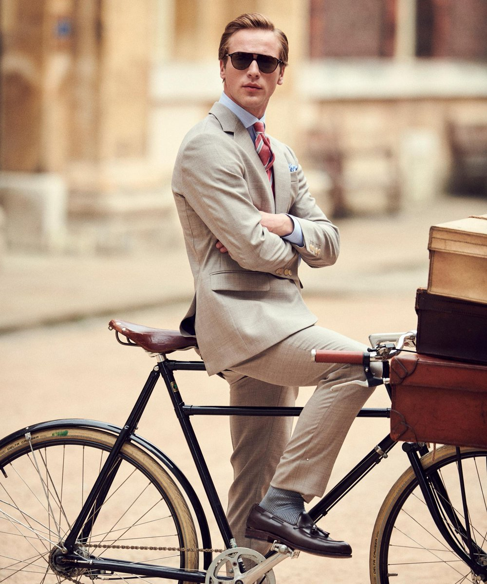 Ready. Set. Go. Ride through the week looking sharp with our Mayfair edit https://t.co/MwwMfcGKX6 #Hackett https://t.co/FA8Z9m2CPr