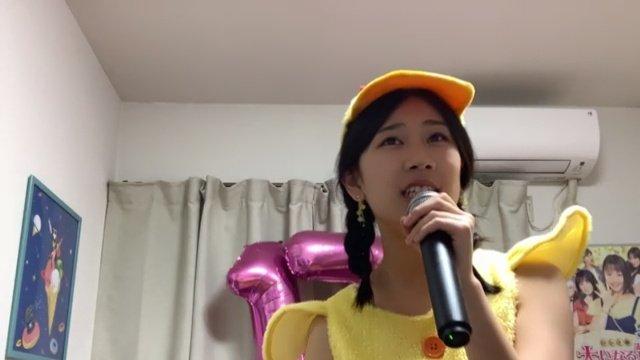 """test ツイッターメディア - 『澤田奏音 """"誕生日当日だけど…生誕前夜祭""""』  ルームの一角に、丸たちの生誕コーナー。  久しぶりの、奏音ちゃんお手性のミラーボールが登場。  そして、ひよこか?東京ばな奈か? と、疑惑を呼んだ、衣装。 https://t.co/ziq9hRqFxt"""