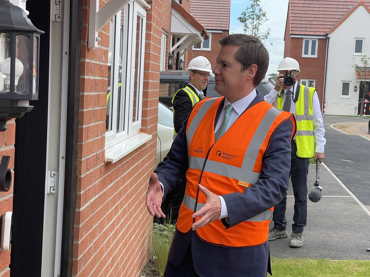 test Twitter Media - On @itvcalendar tonight @mbillingtonitv reports on the visit from @RobertJenrick in #shirebrook to look at affordable housing https://t.co/rxYrJou2EW