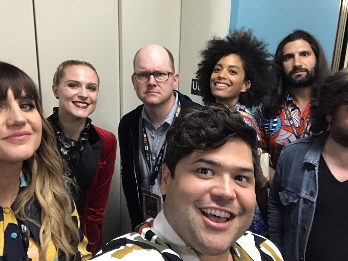 RT @HARVEYGUILLEN: Tnx @evanrachelwood for moderating our @theshadowsfx panel at @Comic_Con ???????????? https://t.co/fejPcbyHhZ