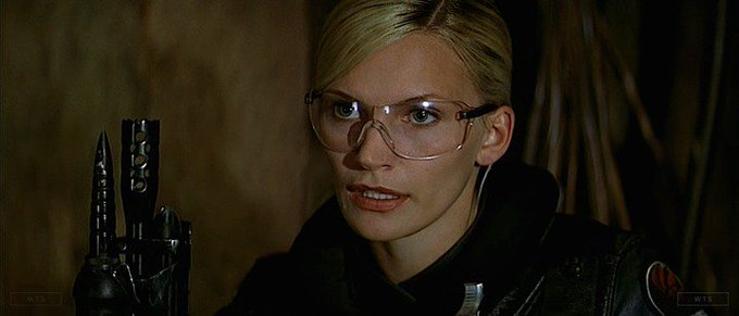 Natasha Henstridge was born on this day 45 years ago. Happy Birthday! What\s the movie? 5 min to answer!