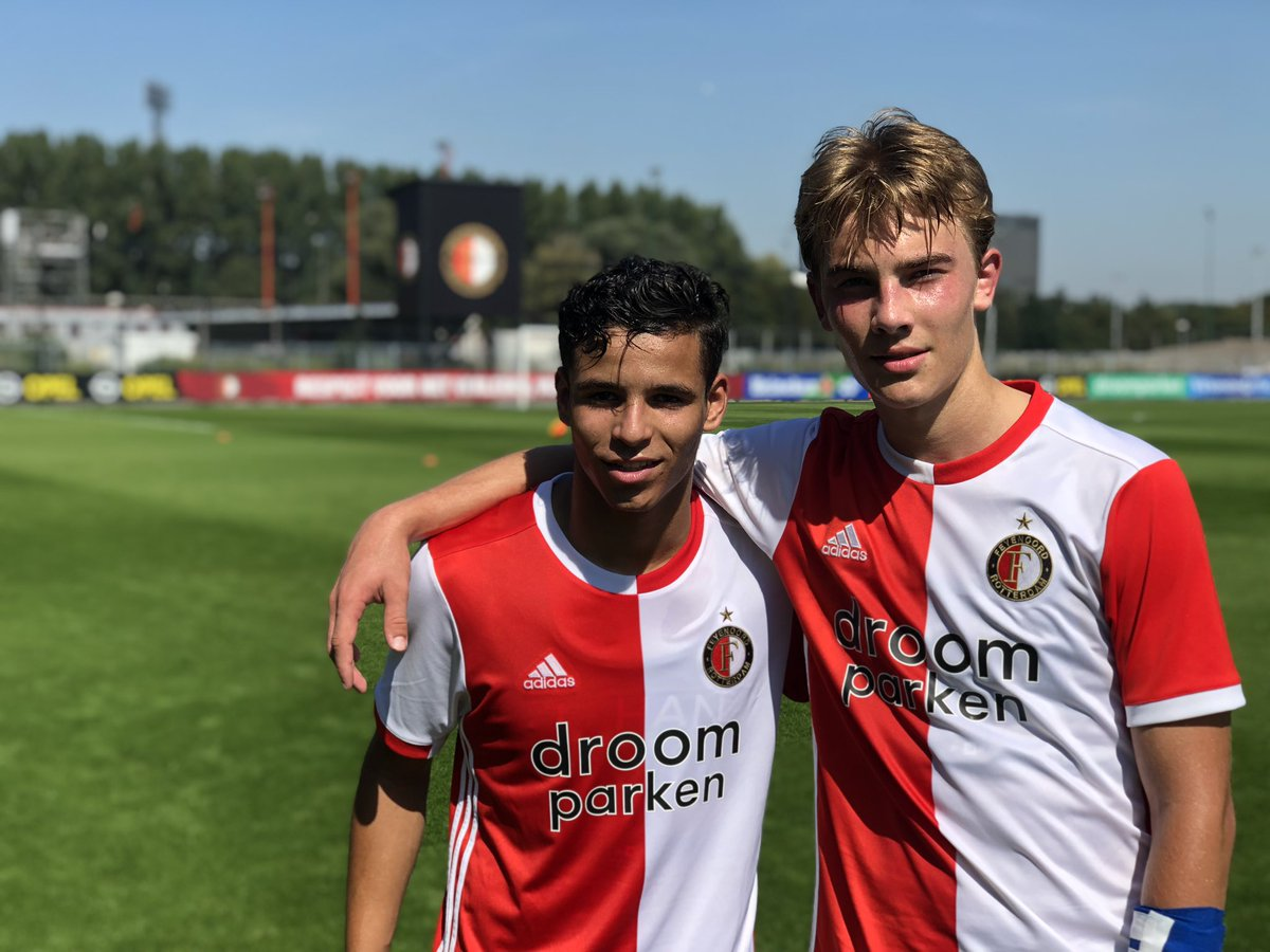 test Twitter Media - De eerste zege op het nieuwe complex is een feit! ✔️  #FeyenoordO17 2-0 AEK Athene O17  Lekker boys! 👊👊  #VarkenoordView https://t.co/XgWxHKlyCe