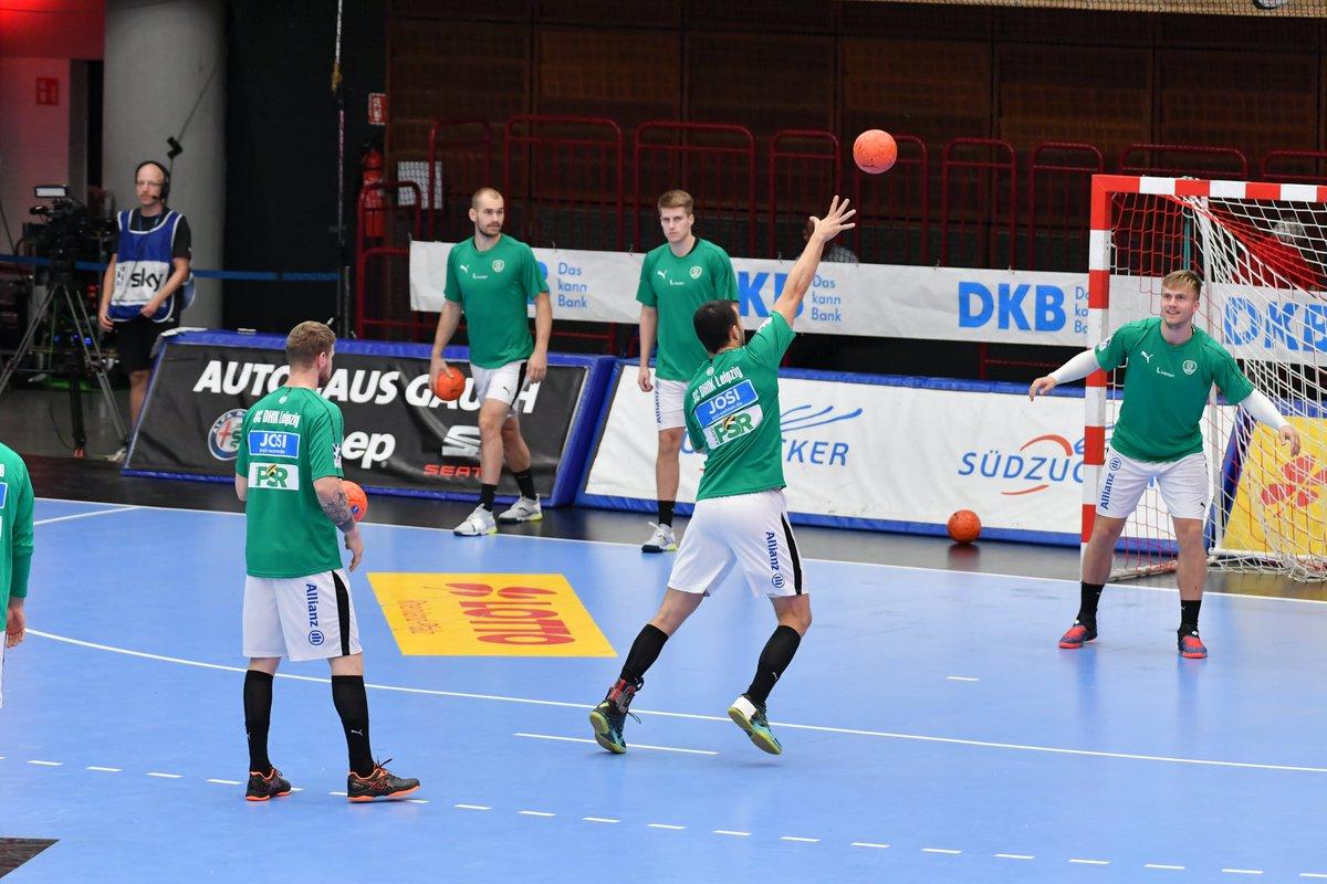 +++LIVE+++ In 20 Minuten beginnt das Auswärtsspiel der DHfK-Handballer bei den Eulen Ludwigshafen. #LUDDHfK https://t.co/0wBwHud1Ei
