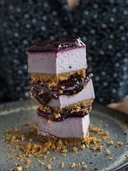 Vegan Tuesday 💚🌱 New for autumn, Blackcurrant Cheezecake 💯💯💯😋