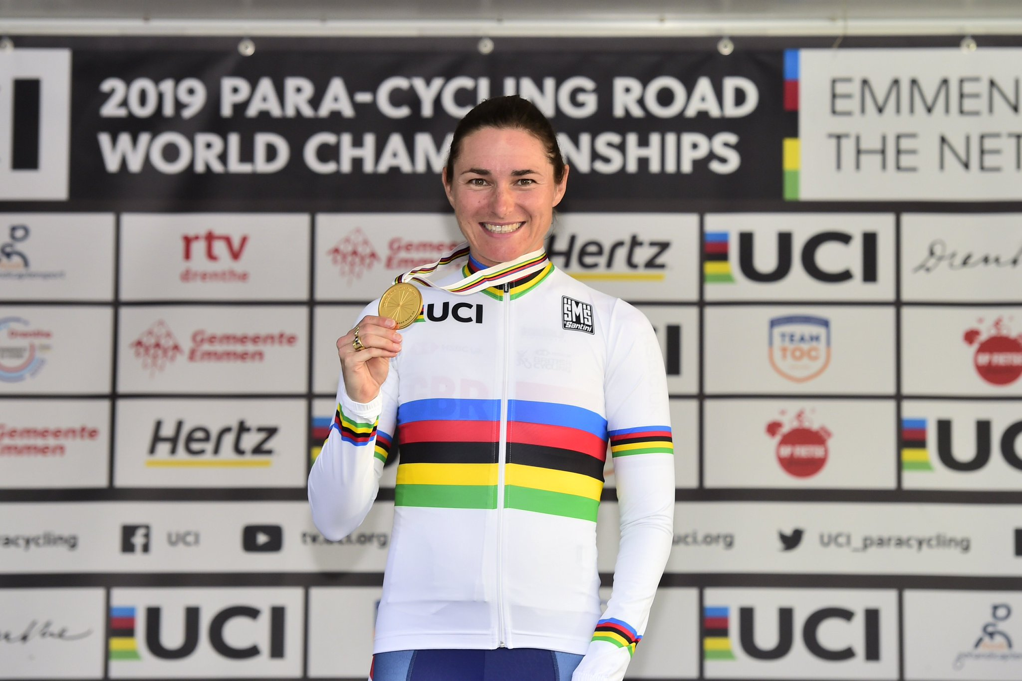 ❤️ IT'S STOREY TIME ❤️  @DameSarahStorey seals a 14th @UCI_paracycling World Championship gold in style 🔙🔛🔝  That's her seventh road race-time trial double - what an athlete 🙌 #Emmen2019 https://t.co/C82Ot4TAQJ