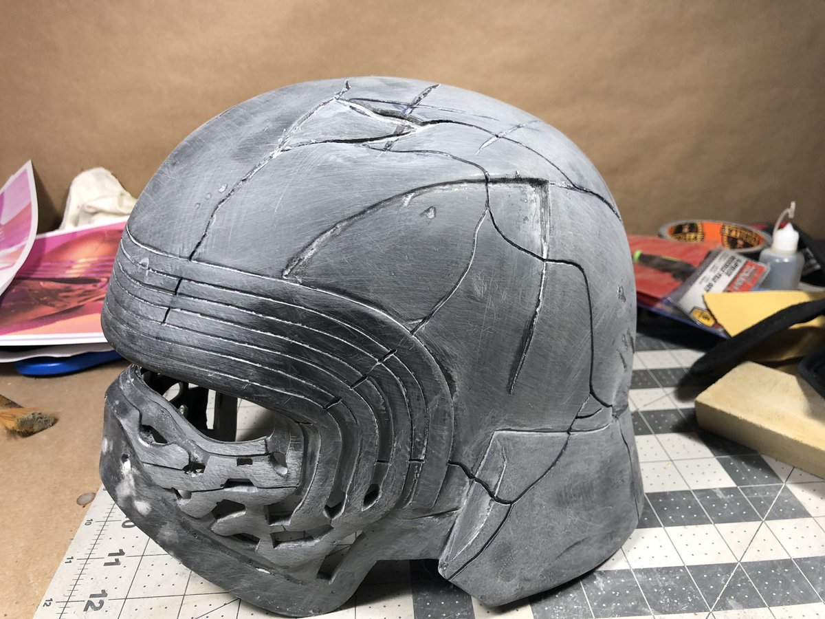 test Twitter Media - Added the rest of the cracks on Kylo's helmet today . . . #riseofskywalker #kylorenhelmet #kyloren #StarWars #thelastjedi #theforceawakens #kylorencosplay #starwarscosplay #sewing #theforce #thedarkside  #propmaking #replicaprop #sculpting #apoxiesculpt #supremeleader #throneroom https://t.co/RhfUnjdO5n