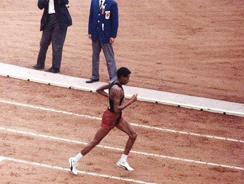test ツイッターメディア - @kimuratomo @iwakamiyasumi オリンピックの【メイン競技はマラソンだ】  東京のメイン会場【新国立競技場は中止でオリンピックと言える!!】  オリンピックは【古代ギリシャの「マラトンの戦い」からはじまった】  【マラソン大会が札幌なら、東京五輪大会の価値はゼロだ。自殺した円谷が泣いている】  東京が盛り上がら無いぜ。 https://t.co/vhr9Bz7Cwb