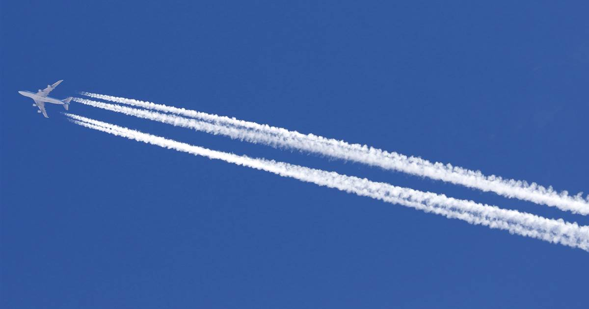 Do airplane contrails add to climate change? Yes, and the problem is about to get worse.