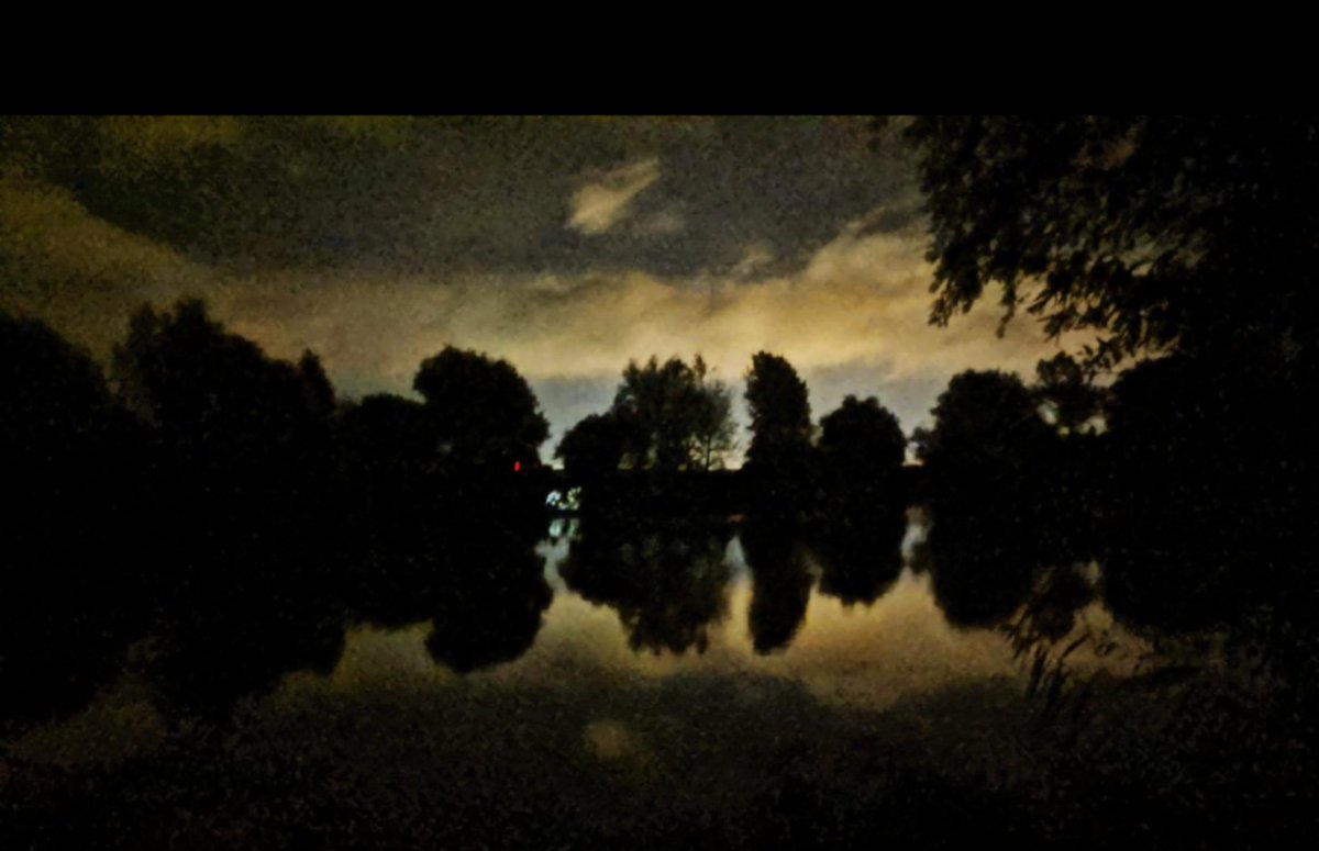 A <b>Beautiful</b> night to be out fishing #carpfishing #shimano #fox https://t.co/H9k3Ssy8jS