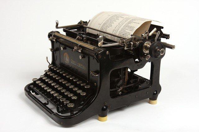 Photo By TeJyng   Pixabay - via @Crowdfire    #black #typewriter #old #blackmetal #writer #escritor #escritores #ライダー #officeequipment #writers #writing #escritoras #typewriters #typewriter #escritora #escritoresnegros #gravadora #scrittore #theblackkeys https://t.co/8m0Y3wlVXB