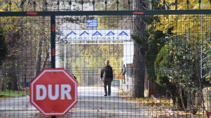 test Twitter Media - IS-medlem stadig fanget ved græsk grænseovergang: Ikke vores problem, siger Erdogan https://t.co/kEEhxhaSXJ https://t.co/dCWirmHkwh