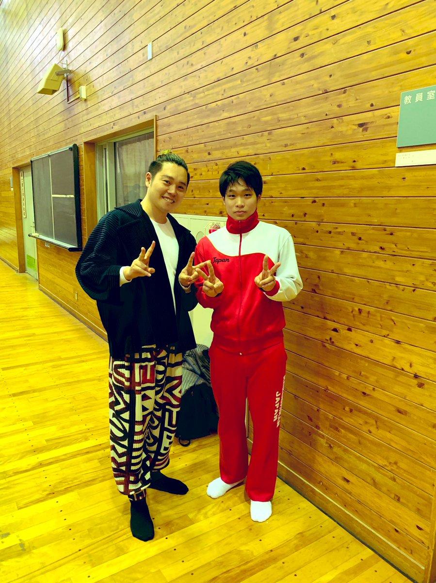 test ツイッターメディア - 今日は国士舘大学主催の国士舘カップへ🤸🏻♂️ 全日本新体操選手権大会で川東拓斗君の演技に一瞬で引き込まれ、いつか近くで観たいなと思っていたので念願叶いました。改めてこの素晴らしいアートをもっと沢山の人に知って欲しいなと思いました。 世代を超えて新体操で一つになっていることに感動しました。 https://t.co/8TtSaUUxV3