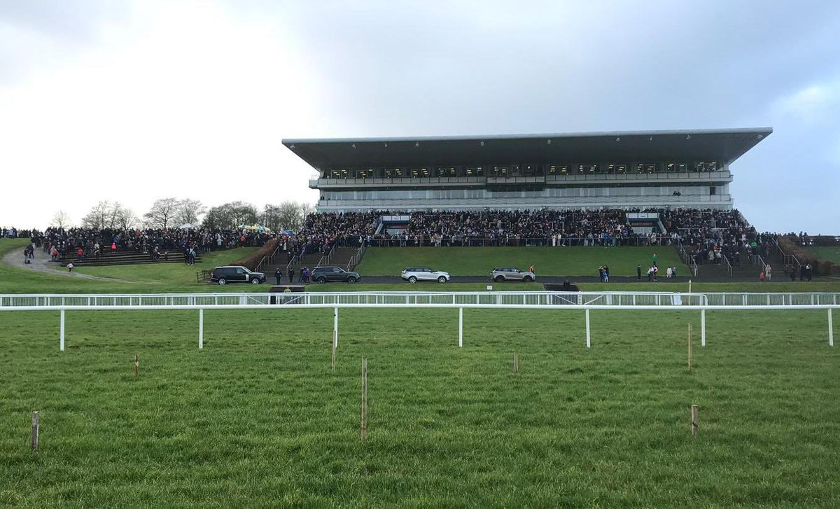 test Twitter Media - Great crowds @LimerickRaces for the last two days, roll on Day 3 & 4! #ComeRacing #Limerick https://t.co/B83kP3zsNg