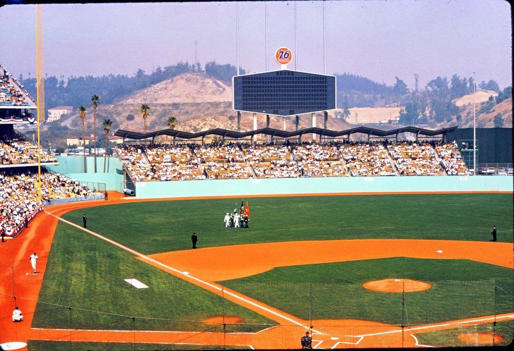 Beautiful pregame shot during the 1966 World Series at Dodger Stadium.  @Dodgers https://t.co/VRUJYAF0t8