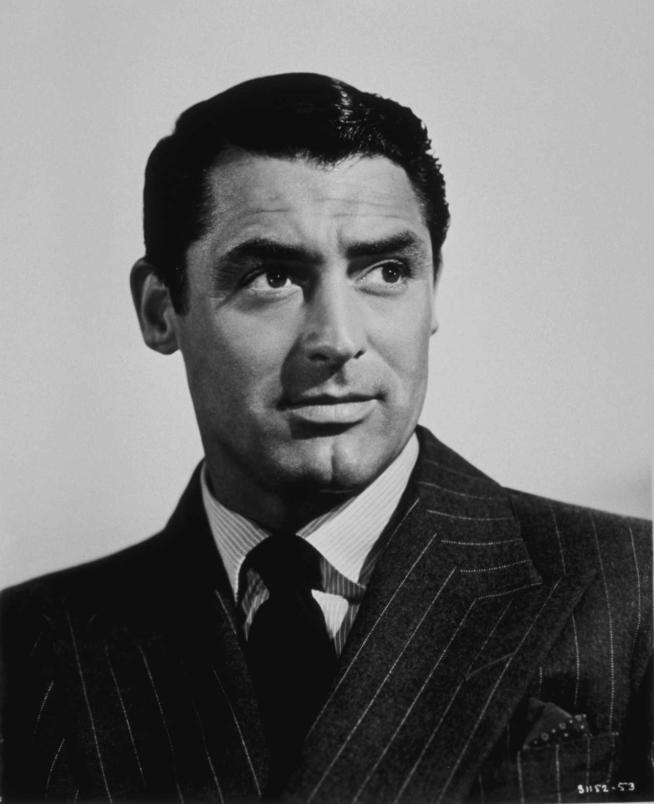 """""""I pretended to be somebody I wanted to be until finally I became that person. Or he became me."""" The stunning and singular Cary Grant was born Archibald Leach on this day in 1904. ❤️ https://t.co/ZuXxu1278X"""