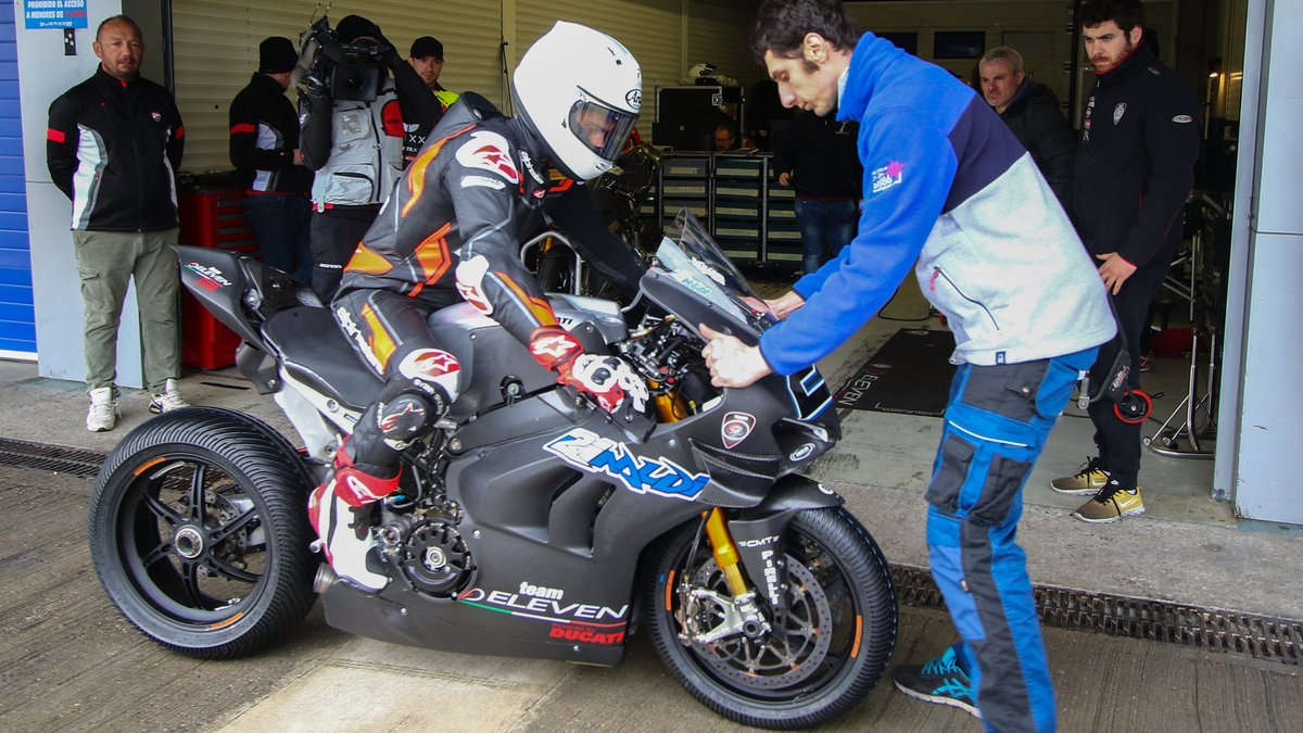 test Twitter Media - 🛠WATCH: Front end feelings holding @michaelrinaldi_ back during Jerez test!  📹VIDEO| #WorldSBK https://t.co/E19nbzQEkH https://t.co/1KH5CkHDDh
