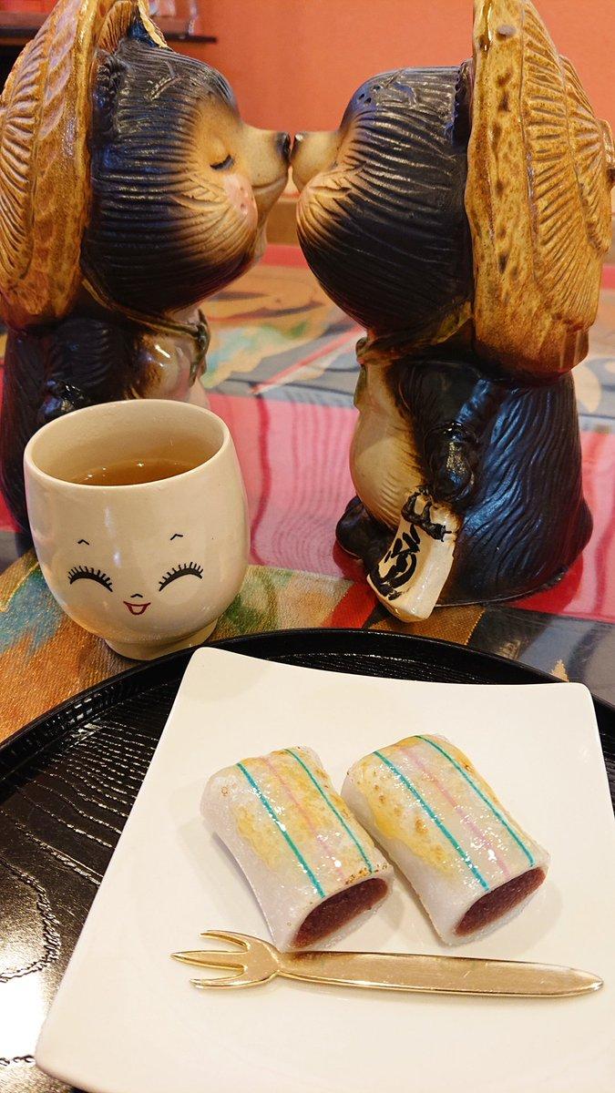 test ツイッターメディア - 《初詣してきた②》 糸切餅のブリュレと糸切餅の天ぷらと焼き餅の味噌とチーズスティック食べた\(*´▽`*)/💕 あと、お土産に「元祖莚寿堂本舗」さんの糸切餅と老夫婦が昔から手作りしてる「ひしや」さんの糸切餅を購入☺️💕 https://t.co/eI49uZBkUi