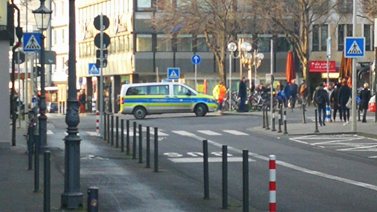test Twitter Media - RT @chippybonn: #Bonn No busses or trains at Hbf. https://t.co/9cA8mhduSU