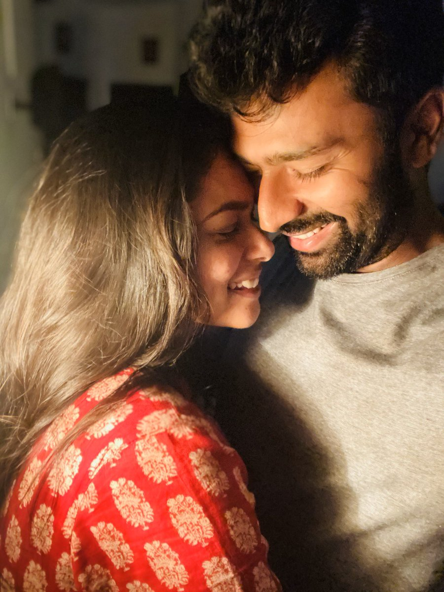Enga #Kuttystory ❤️ Happy #ValentinesDay makkaley ❤️ Spread love in every possible way, Love is the only thing which has no strings attached 😊 Couples..... லவ் பண்ணுங்க , ஜாலியா இருங்க 💛  Morattu Singles ... Vaazhkaiya ippovae enjoy pannunga 😂🤣