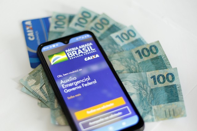 #AuxílioEmergencial - Caixa credita nesta segunda benefício a mais 7,8 milhões de trabalhadores; veja calendário de pagamentos  #G1