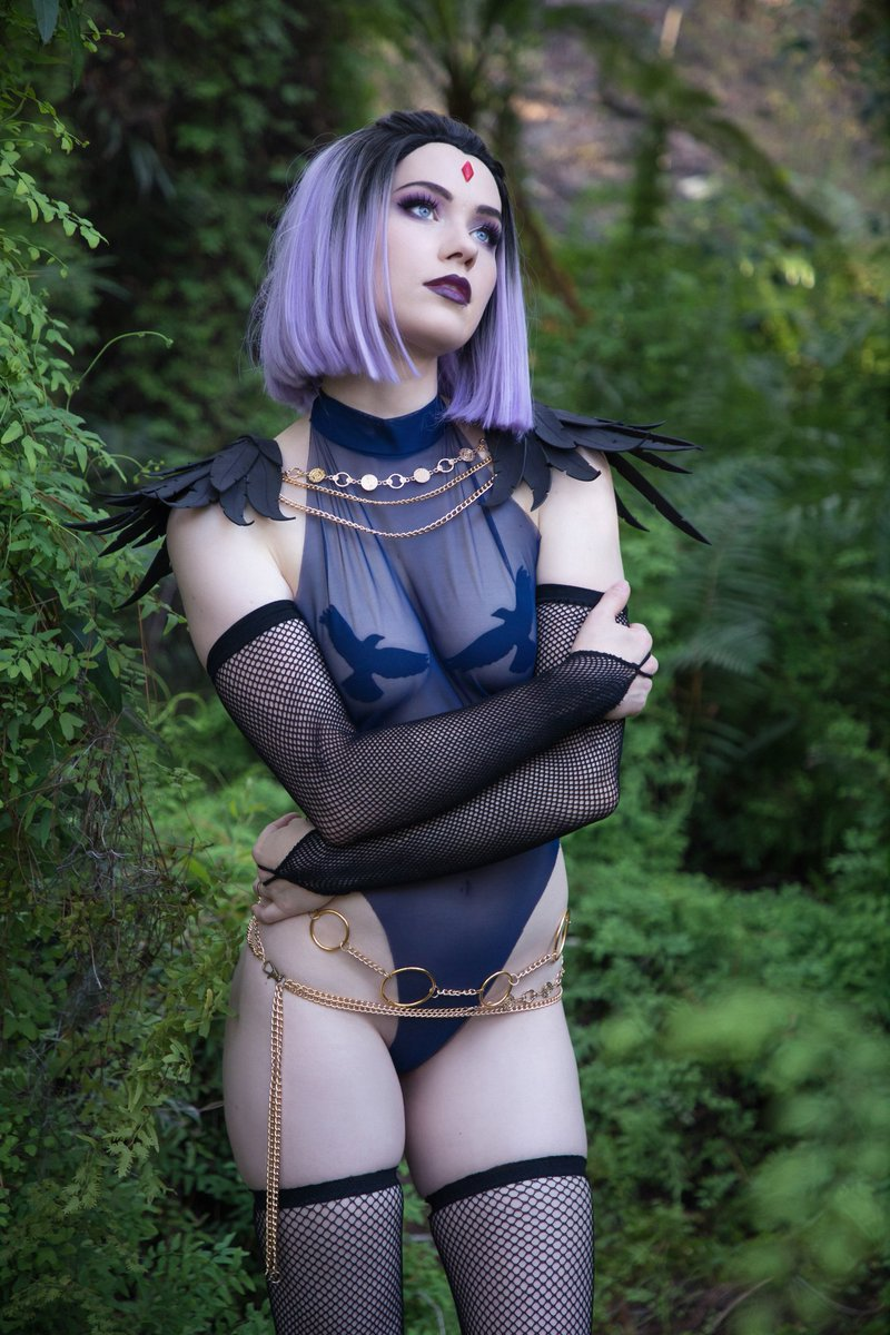 I'm so excited that I finally get to show you my lewd Raven design! 💜  I just posted the full set to my Patreon 🥰 What do you think?!  I totally want to live in this little forest 🌱 it was so beautiful!