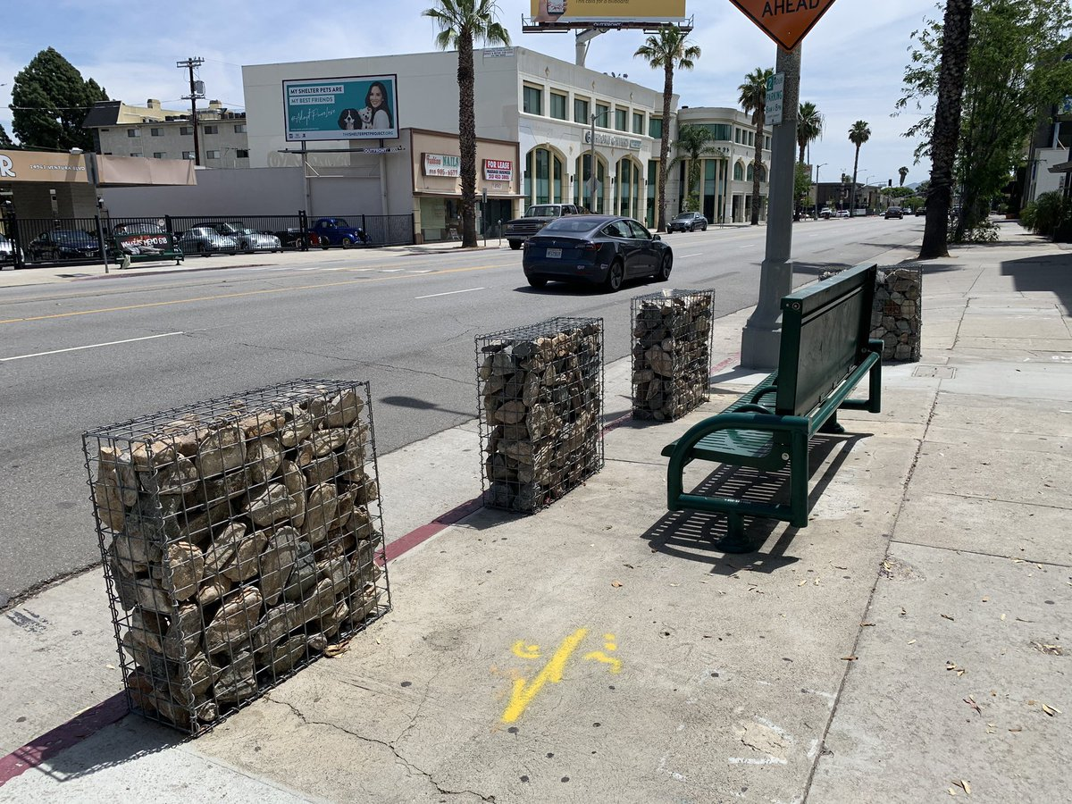 To the people tweeting about the rock baracades in front of Chabad of Sherman Oaks on Ventura Blvd.   Those baracades have been there for 2 years, they were put in to protect the building.   I just called them, the baracades have been taken down, people are baiting you to fight!