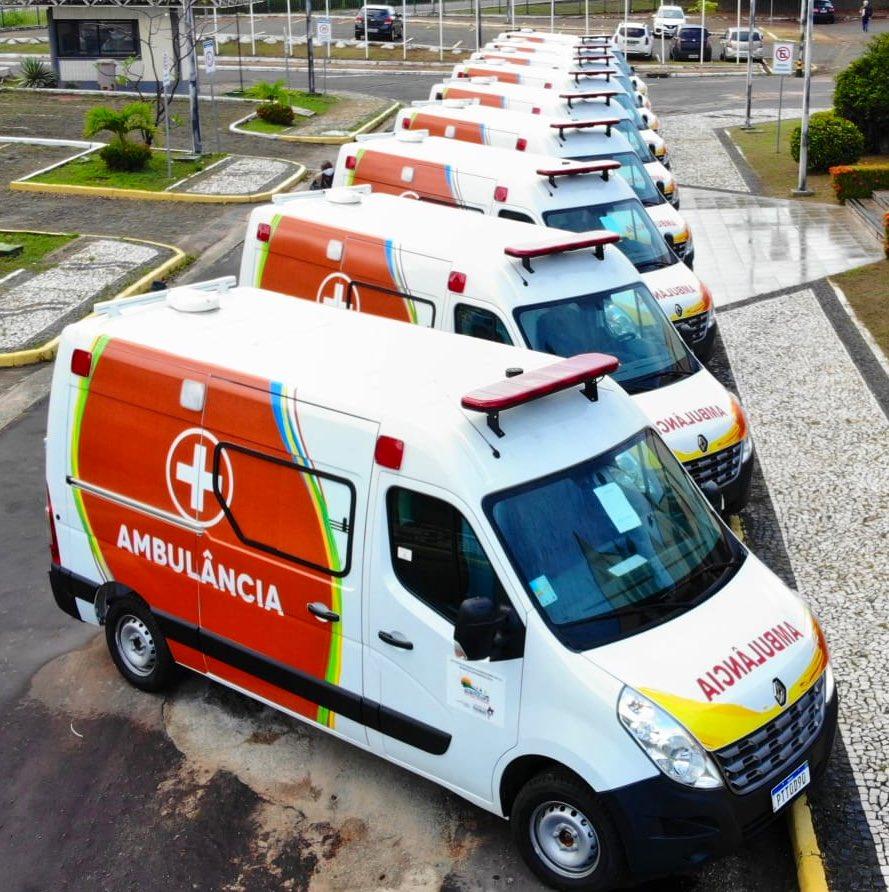 O @GovernoMA faz entrega hoje de mais 9 ambulâncias para municípios. Estas são fruto de parceira com a empresa VLI,  a quem agradecemos.