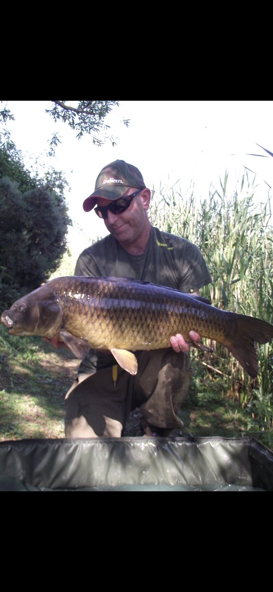 Floating crust such an exciting way to fish #carpfishing #hookand<b>Hold</b> @FortisEyewear https://