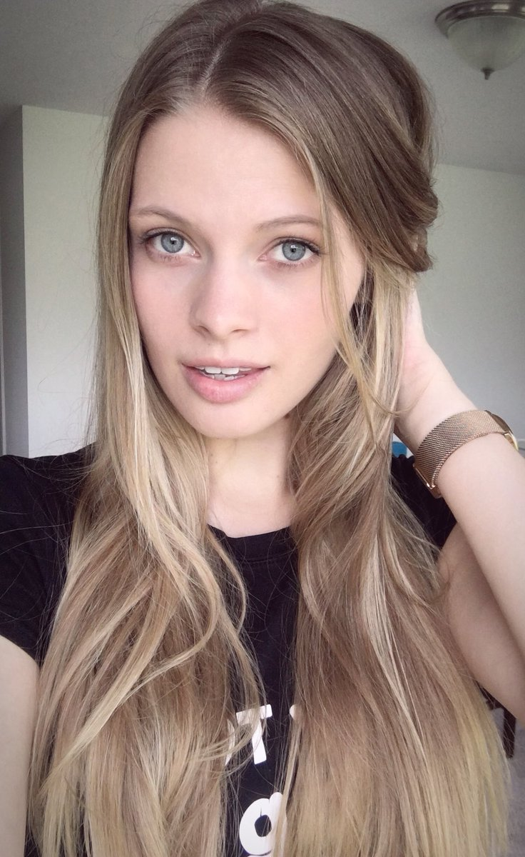 Beautiful Blue Eyed Stunner @SophieSparksxxx