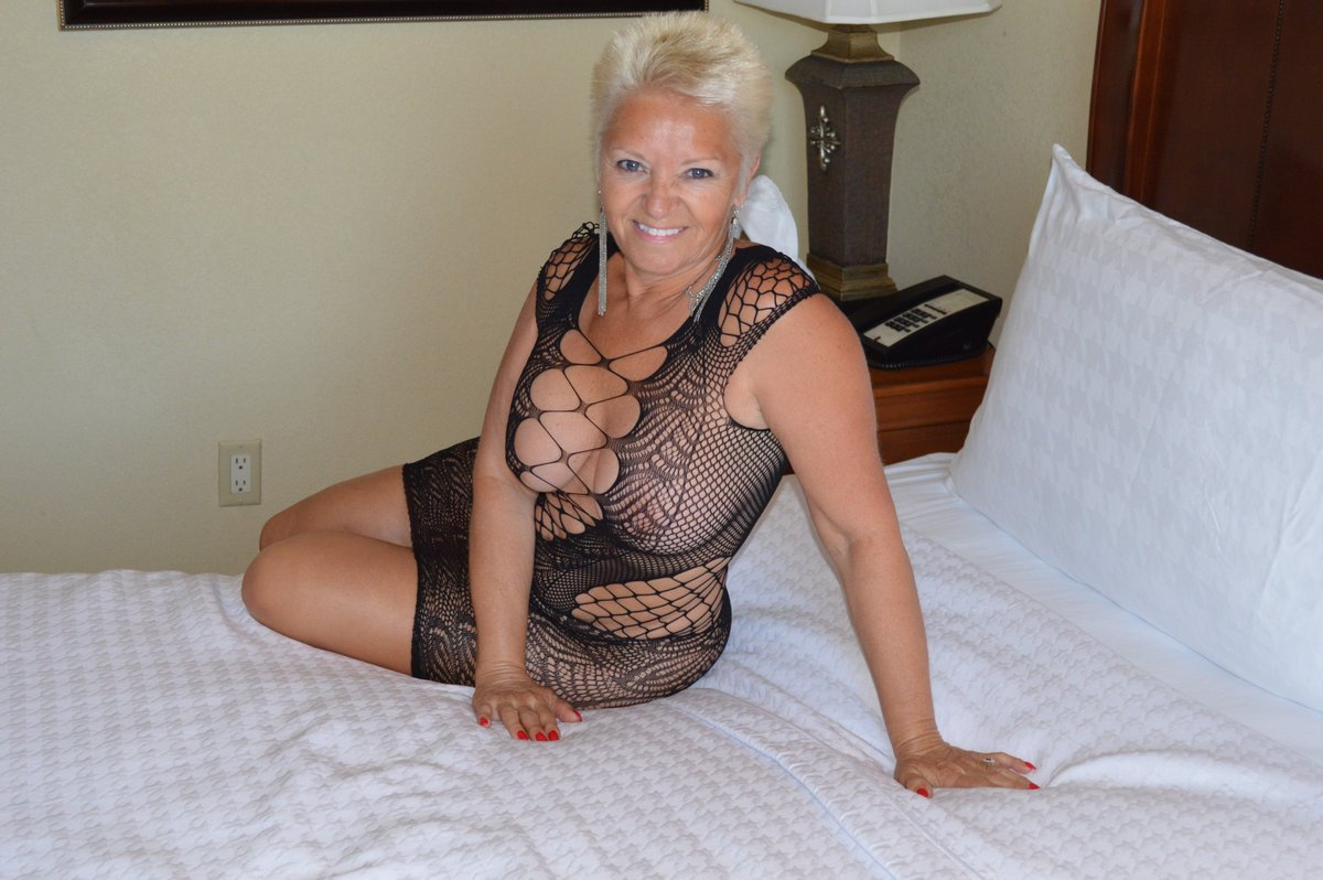 📷 @Bambi4u269 📷  @Whitelover69 @AdultBrazil @videopornstar @TessaLynnParker @porn4pleasure @johnnywalkeryyc @PornPrincexxx @latino8626 @TopPornSites @blowjob__ @wartraktor @heyholetsgo78 @_ValentinaCcs @TameJasmine1 @Die_oficial @MommyFan22 @SexIsland24 @OnlyBestcamslut