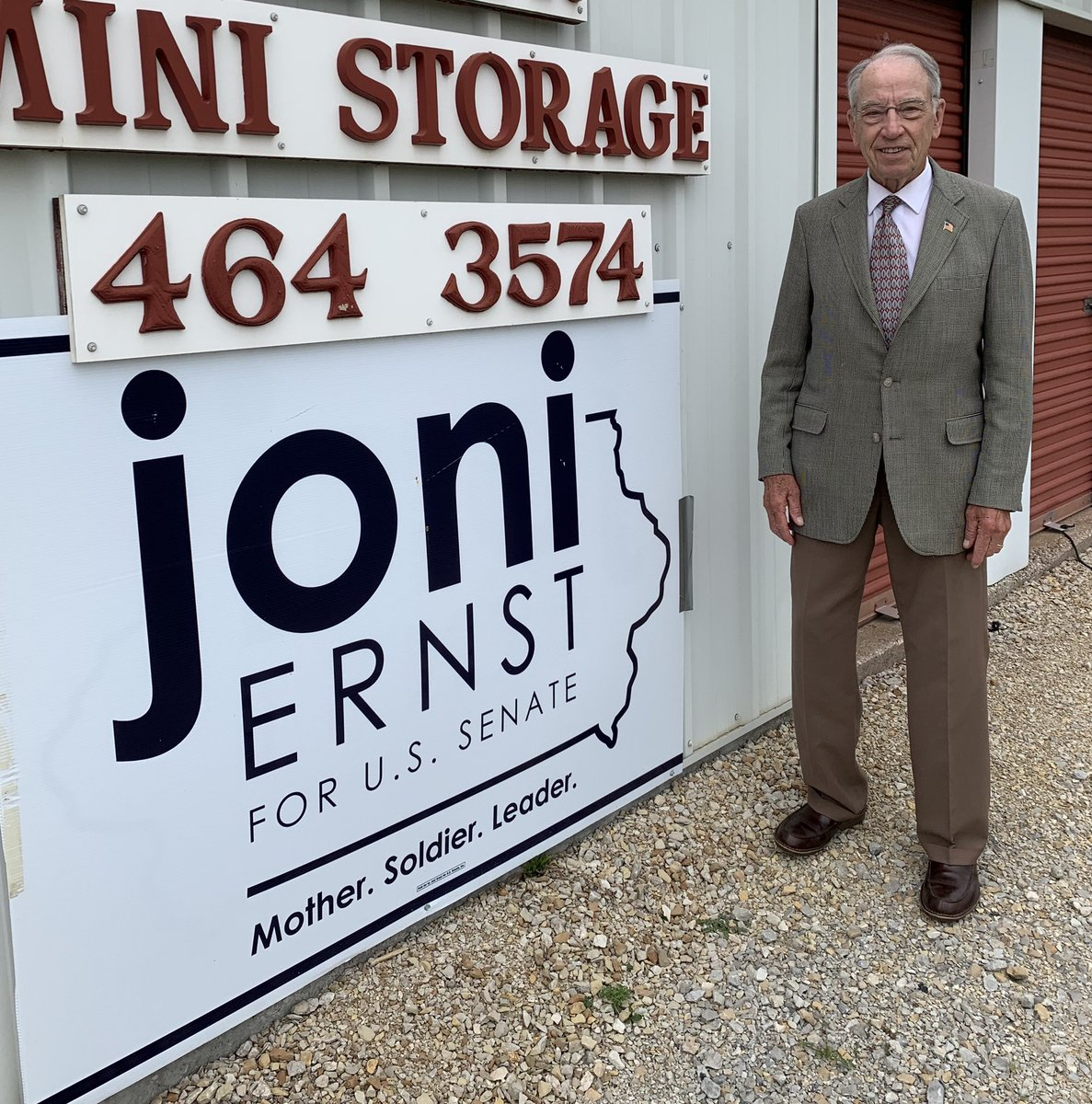 Spotted in Ringgold County: strong grassroots support for @joniernst @TeamJoni 💪🏻 #iapolitics