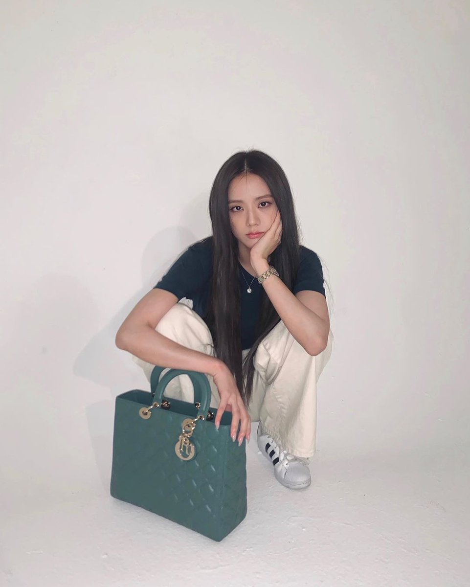 #JISOO NEW ARTICLES #지수  🔹NAVER 👉 Click 4TH reaction, recommend, share   🔹NATE 👉 Upvote, share   #BLACKPINK #블랙핑크 #블랙핑크지수 @BLACKPINK