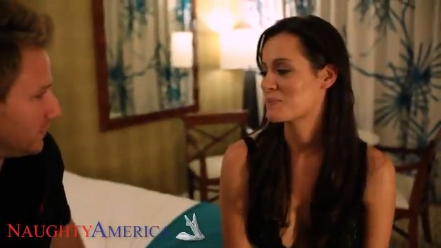 Beautiful #MILF Mandy Haze needs to get some extra cash before going on a trip. In order for this to happen, she has some hot #sex with her young sugardaddy, Levi Cash. #porn #xxx