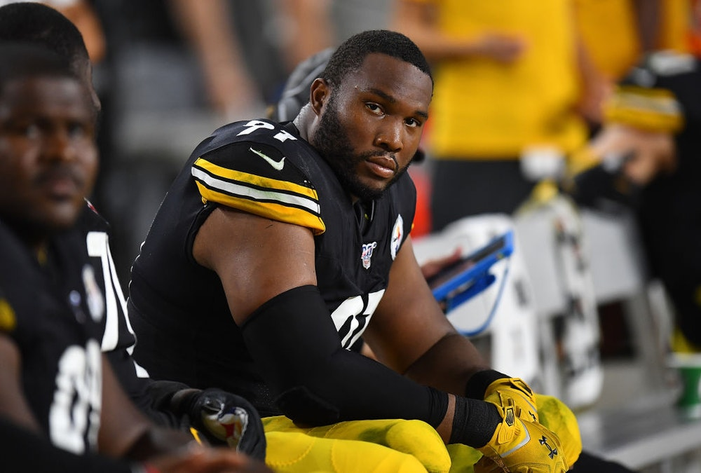Steelers Player Won't Kneel For Anthem: 'Screw Anybody' Who Has A 'Problem With That'; Talks Of Immigrant Grandmother