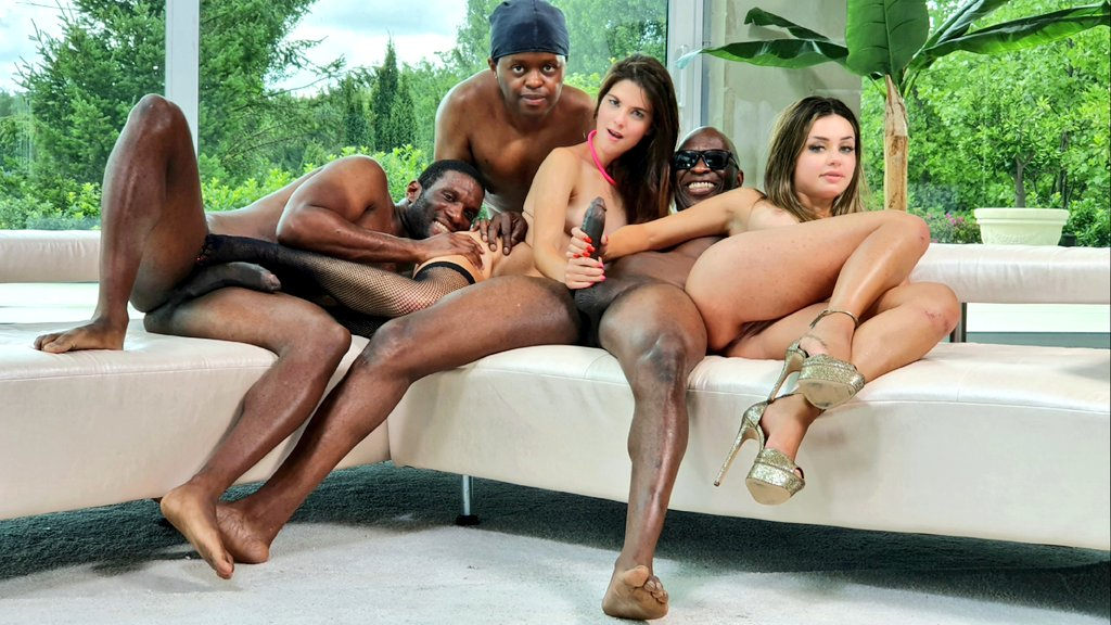 The fucking dream team @Sara_bell_xx69 @martinasmeraldi @yves_morgan @HiMikeChapman   @BIGGBABYXXX for @RoccoSiffredi24  today.😊