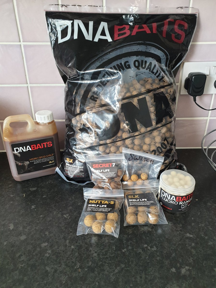 Wasn't expecting this so soon only put my order in Monday @DNABaitsUK 👌 Cheers for the samples as
