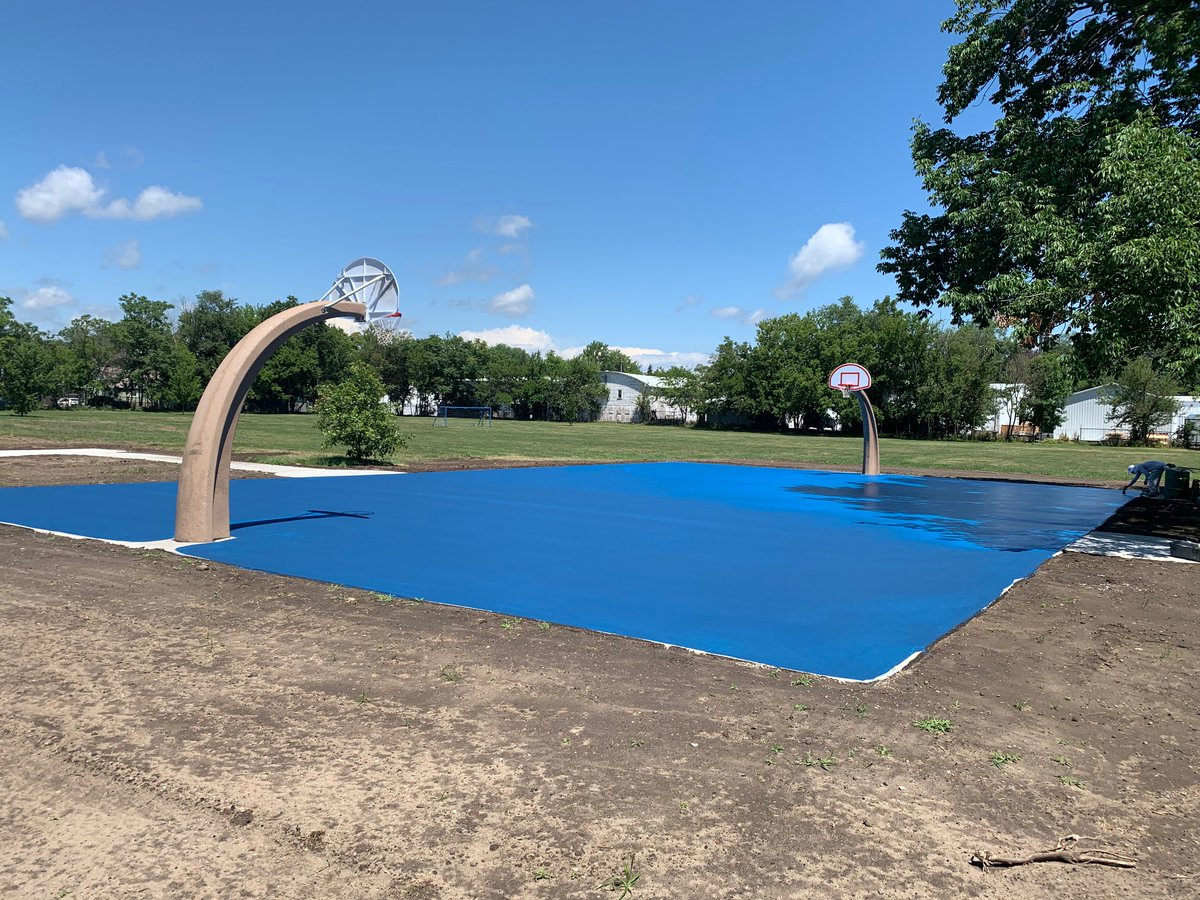 Can you say POP OF COLOR??? Check out the first layer of the basketball court at Grove Park! #midlandparks #meetmeinmidtown