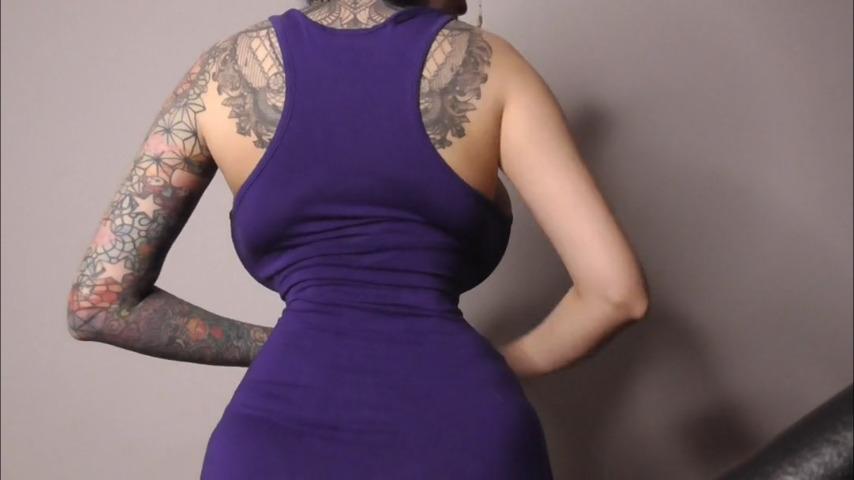 Do you think my waist can get smaller?  /ariane_st_amour.manyvids.com #humanhentai #bigboobs #bigtits #faketits #plasticpositive #geekgirl #perfect #beautiful #sideboobs #corset #hourglass #backsideboobs #tinywaist
